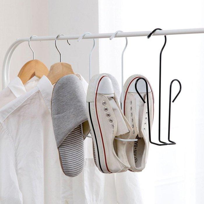 Оригинальное решение для компактного размещения обуви. /Фото: ct.yimg.com