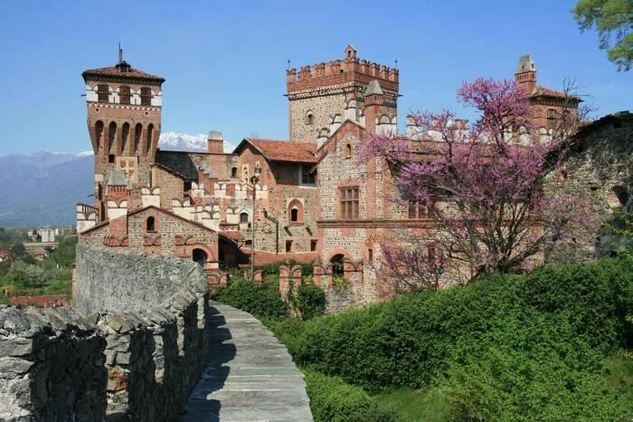 Castello di Pavone один из красивейших замков мира. /Фото: castellodipavone.com