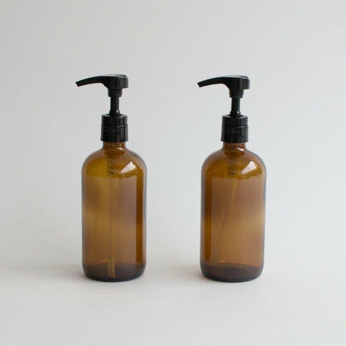 Дозаторы удобны и снижают расход бытовой химии. /Фото: cdn.shopify.com