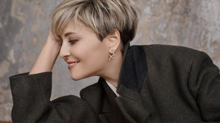 Обладательницам стрижки пикси свойственен особый шарм и женственность. /Фото: novostivmire.com