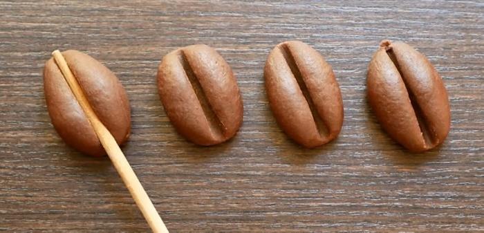 Печенье в виде какао-боба выглядит оригинально.