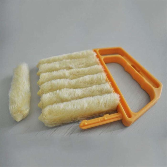 Такая щетка удобна для ухода за жалюзи. /Фото: images-na.ssl-images-amazon.com