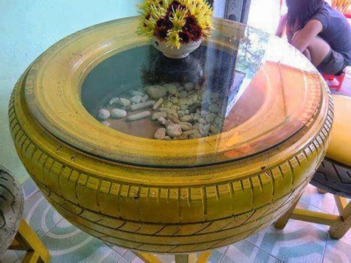Немного декора, покраска в яркий цвет и старая покрышка заиграет новыми красками. /Фото: i2.wp.com