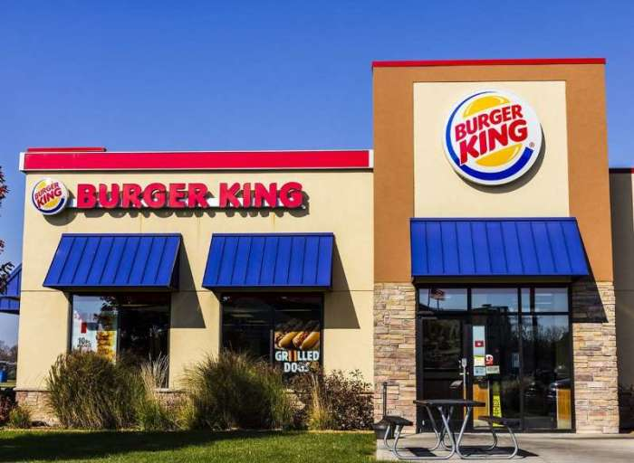 Заведение Burger King  в Америке. /Фото: img-s-msn-com.akamaized.net