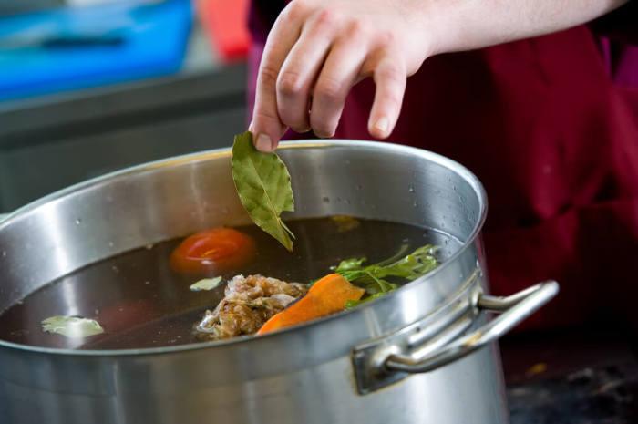 Ингредиенты нужно добавлять последовательно. /Фото: tasteofhome.com