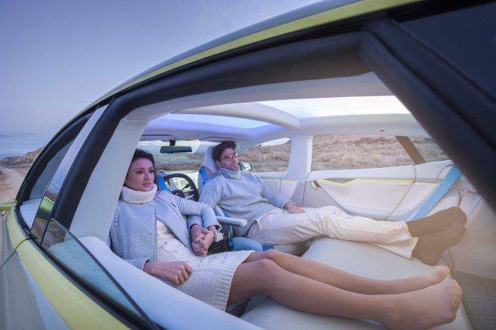 Беспилотные автомобили это не только выгодно, но еще и удобно. /Фото: images.autowereld.com