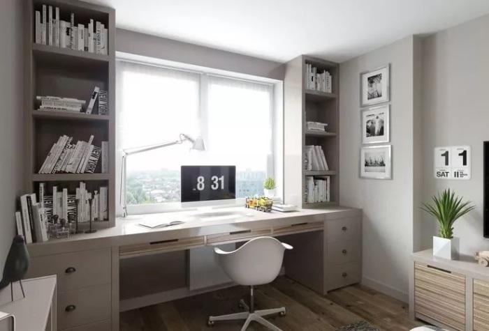 Стол вместо подоконника экономит место в комнате. /Фото: hackrea.com
