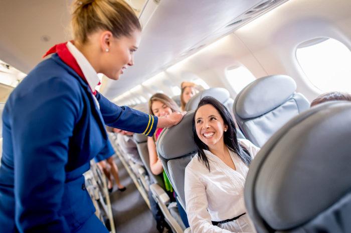 Не всем пассажирам достается максимум внимания. /Фото: panacea.mk