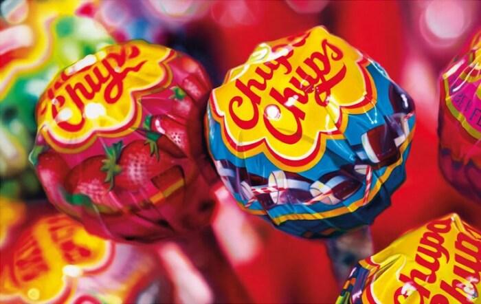 «Ромашка» Chupa Chups – яркий пример всемирно узнаваемого логотипа. /Фото: cdn.artmarket.co.uk