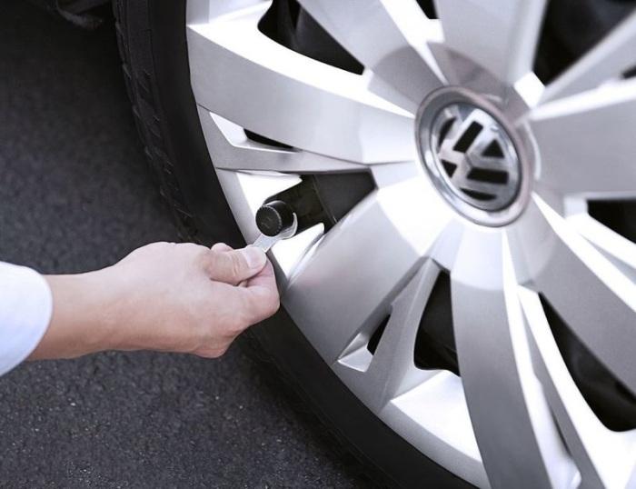 С гаджетом ZUS Smart Tire Safety Monitor колеса всегда будут под контролем. /Фото: cdn.trendhunterstatic.com