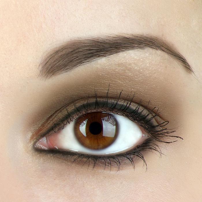 Складочки в уголках глаз остались от третьего века. /Фото: eyemakeupstyle.com