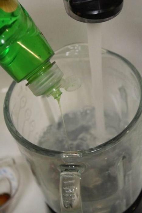 Не нужно усложнять себе уборку банальными решениями, пришло время креатива. /Фото: retete-usoare.info