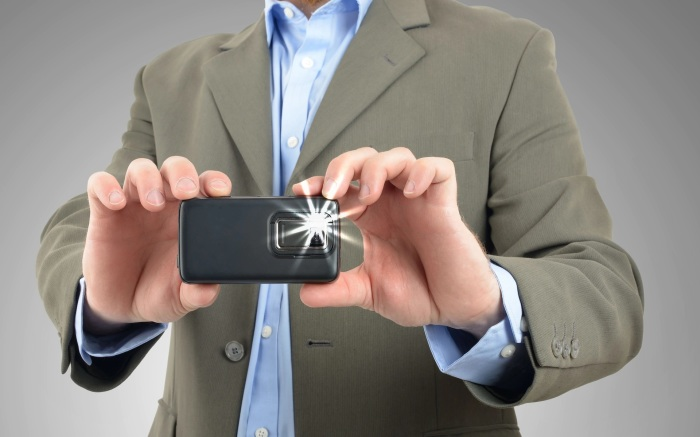 Отключение вспышки не повлияет на качество фото, но снизит потребление заряда батареи. /Фото: telegraph.co.uk