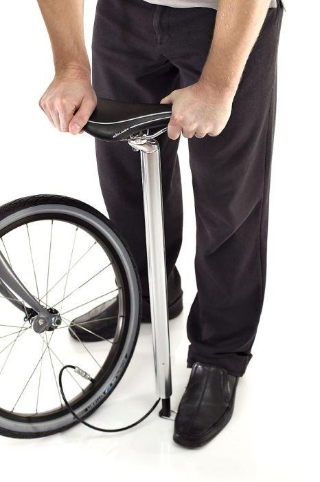 Для такого насоса даже цвет подходящий можно выбрать. /Фото: bicycleretailer.com