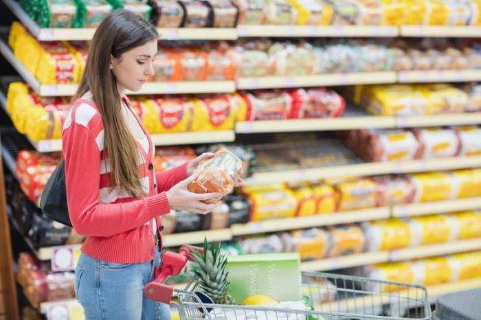 Опасно покупать нарезанные фрукты и овощи. /Фото: sun9-29.userapi.com