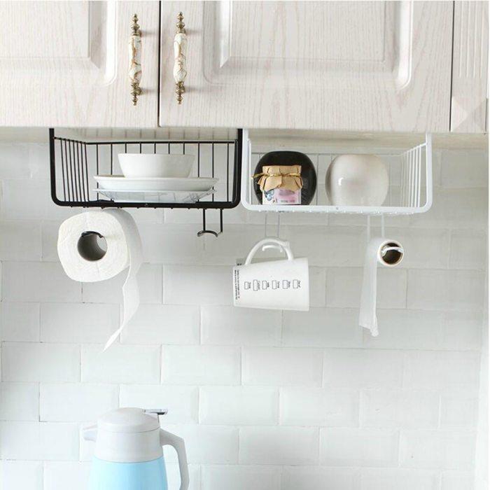Подвесные полки помогают сохранить порядок на столешнице, и удобны для членов семьи небольшого роста. /Фото: ae01.alicdn.com