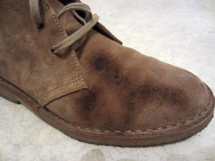 Любая обувь пачкается, и на этот случай нужно знать парочку секретов по быстрой чистке. /Фото: i.pinimg.com