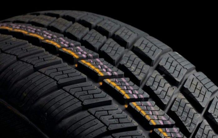 Метки на шину нанесены специально. /Фото: automotolife.com