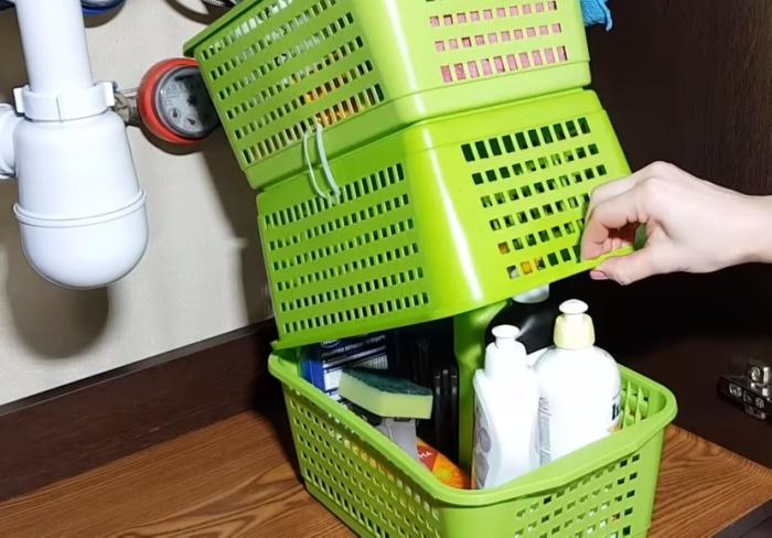 Иногда для хранения вещей корзинки удобнее перевернуть.