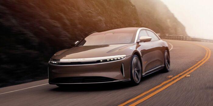Автомобиль премиум класса, о котором мечтают многие. /Фото: hips.hearstapps.com