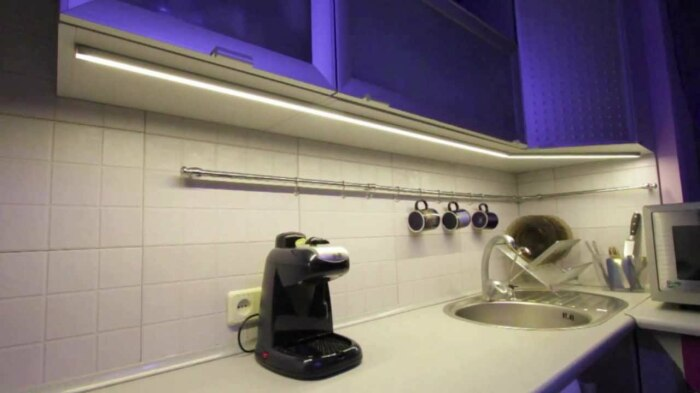 Подсветка должна быть в первую очередь удобной, а уж потом красивой. /Фото: i.ytimg.com