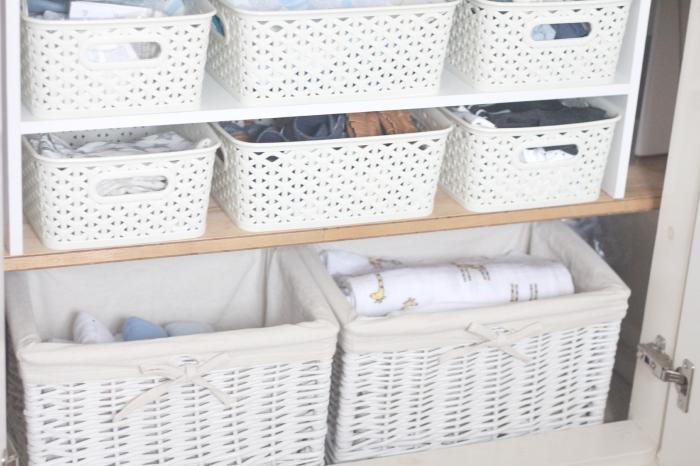 Корзинки и контейнеры заменят ящики и помогут разграничить пространство. /Фото: 2.bp.blogspot.com