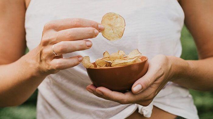 Посуда небольших размеров – эффективный прием от переедания. /Фото: images.everydayhealth.com