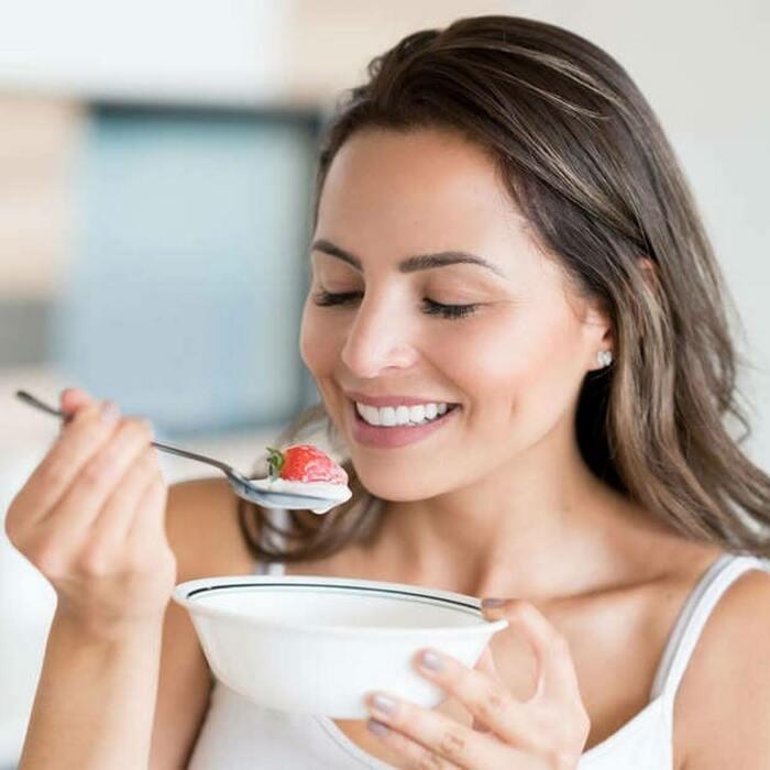 Утренний йогурт может спасти не только от голода, но и от неприятного запаха. /Фото: lh3.googleusercontent.com