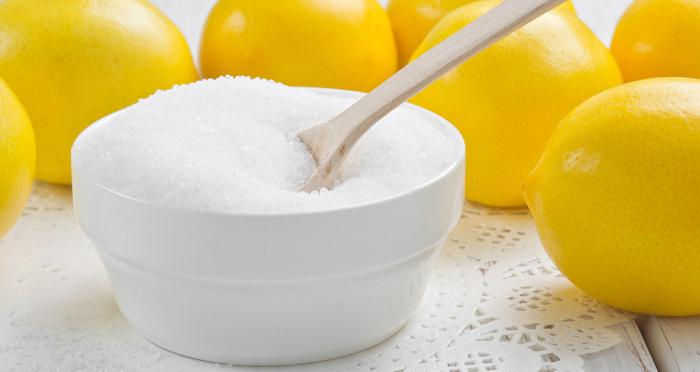 Ответственное задание, с которым на ура справляется лимон и соль. /Фото: stat5.cdnbb8.com