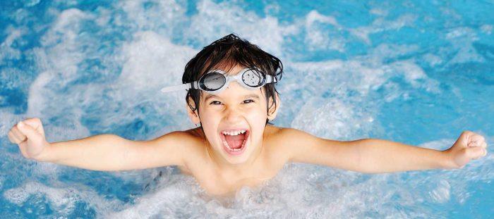 Плавать можно как на голодный, так и на сытый желудок. /Фото: perfect2020.com