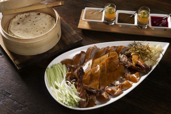 В XIX веке утка по-пекински стала общедоступным кушаньем. /Фото: kevsbest.com