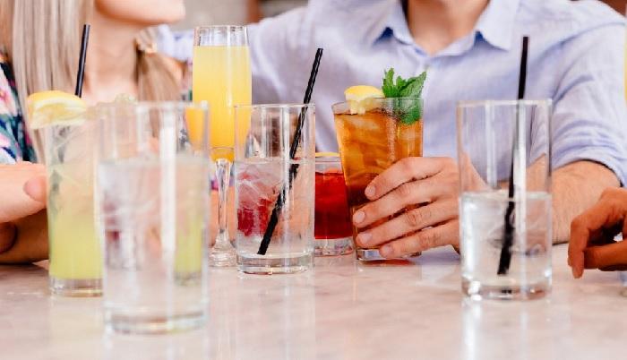 Есть целых 7 причин не пить напитки со льдом вне дома. /Фото: c.pxhere.com