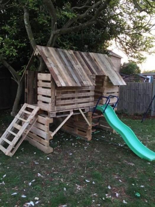 С таким несложным сооружением занять детей на полдня не будет проблемой. /Фото: i2.wp.com