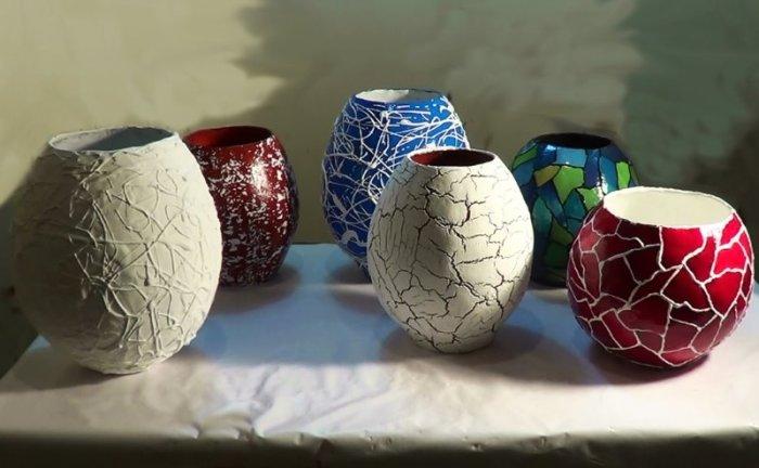 Красивые вазы для цветов с декором из туалетной бумаги. /Фото: dizainvfoto.ru