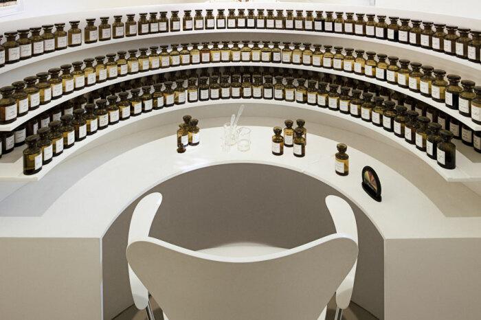 Бывшая парфюмерная лаборатория. /Фото: usines-parfum.fragonard.com