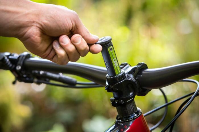 С хранением в руле нет риска забыть мультитул дома. /Фото: images.singletracks.com
