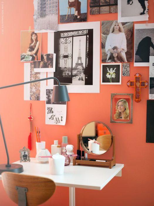 Откидной столик в качестве места для создания любого образа и макияжа. /Фото: i.pinimg.com