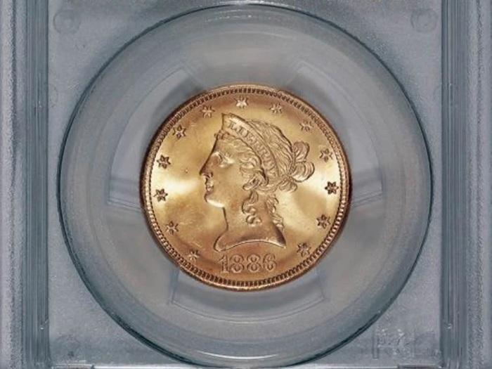 Saddle Ridge Hoard - золотая монета 10 долларов. /Фото: avatars.mds.yandex.net