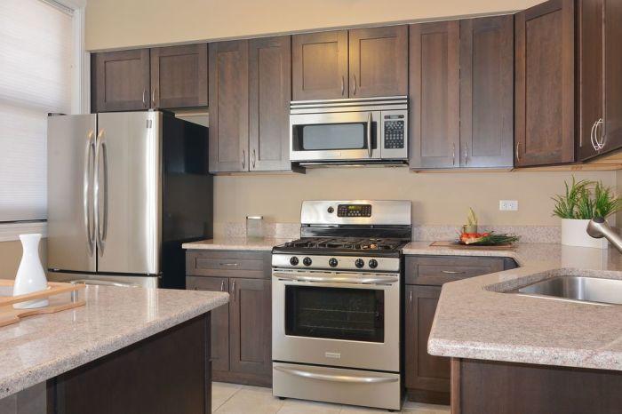 Встроенная микроволновая печь. /Фото: neo.aleshamusic.com