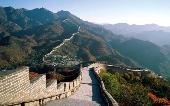 Великая китайская стена с высоты птичьего полета смотрится впечатляюще. /Фото: 2.bp.blogspot.com