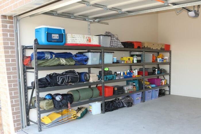 Контейнеры помогают упорядочить хранение. /Фото: stormor.com.au