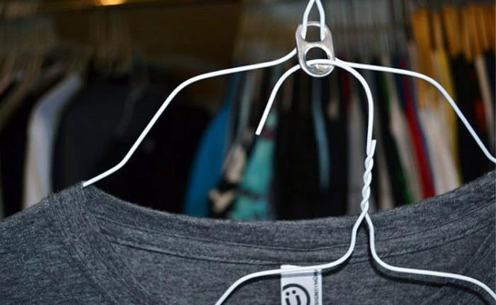 Интересное решение для увеличения вместительности шкафа для одежды. /Фото: tipsmag.nl
