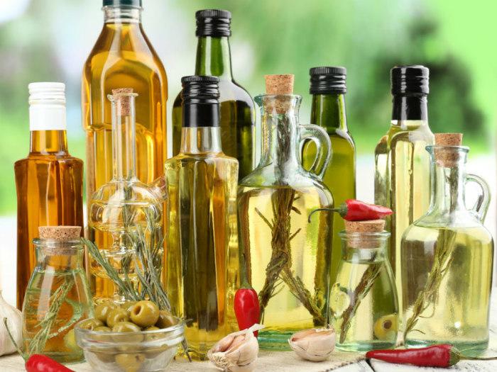 Растительное масло всегда незаменимый продукт на любой кухне. /Фото: menslife.com