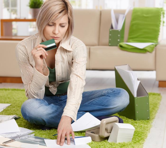 Не приносите документы домой и не раскладывайте их в гостиной. /Фото: dinforetagspartner.se