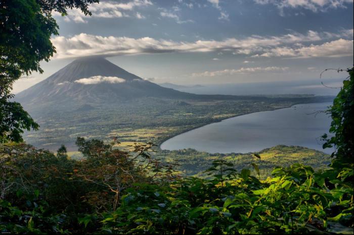Красивая природа и архитектура, завораживающая флора и фауна. /Фото: s3.amazonaws.com