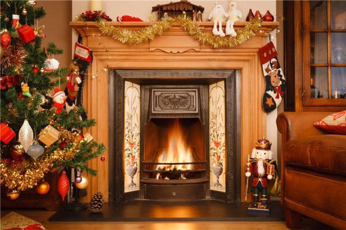 Украшая жилье праздничной атрибутикой вы создаете впечатление, что покупатель у вас в гостях, а не потенциальный владелец квартиры. /Фото: s.klemperer.org