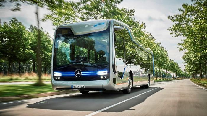 Облик Mercedes-Benz Future Bus подчеркивает его инновационность. /Фото: daimler.com