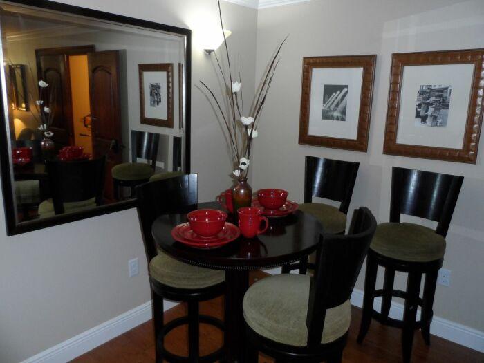 Дизайн апартаментов сочетает комфорт и элегантность. /Фото: s.yimg.com