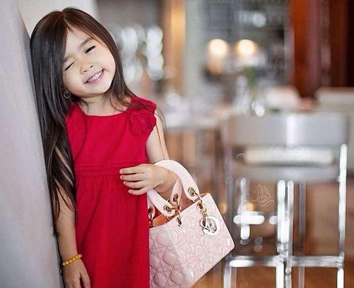 Правда, я очень-очень красивая? /Фото: freya.kiev.ua