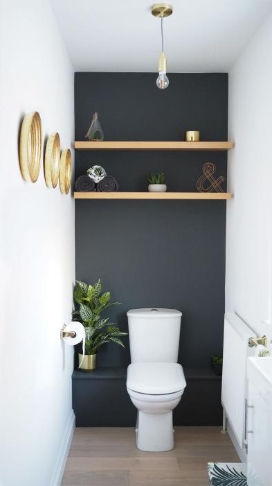 Зона над туалетом не должна простаивать без дела. /Фото: kinteriorsblog.files.wordpress.com